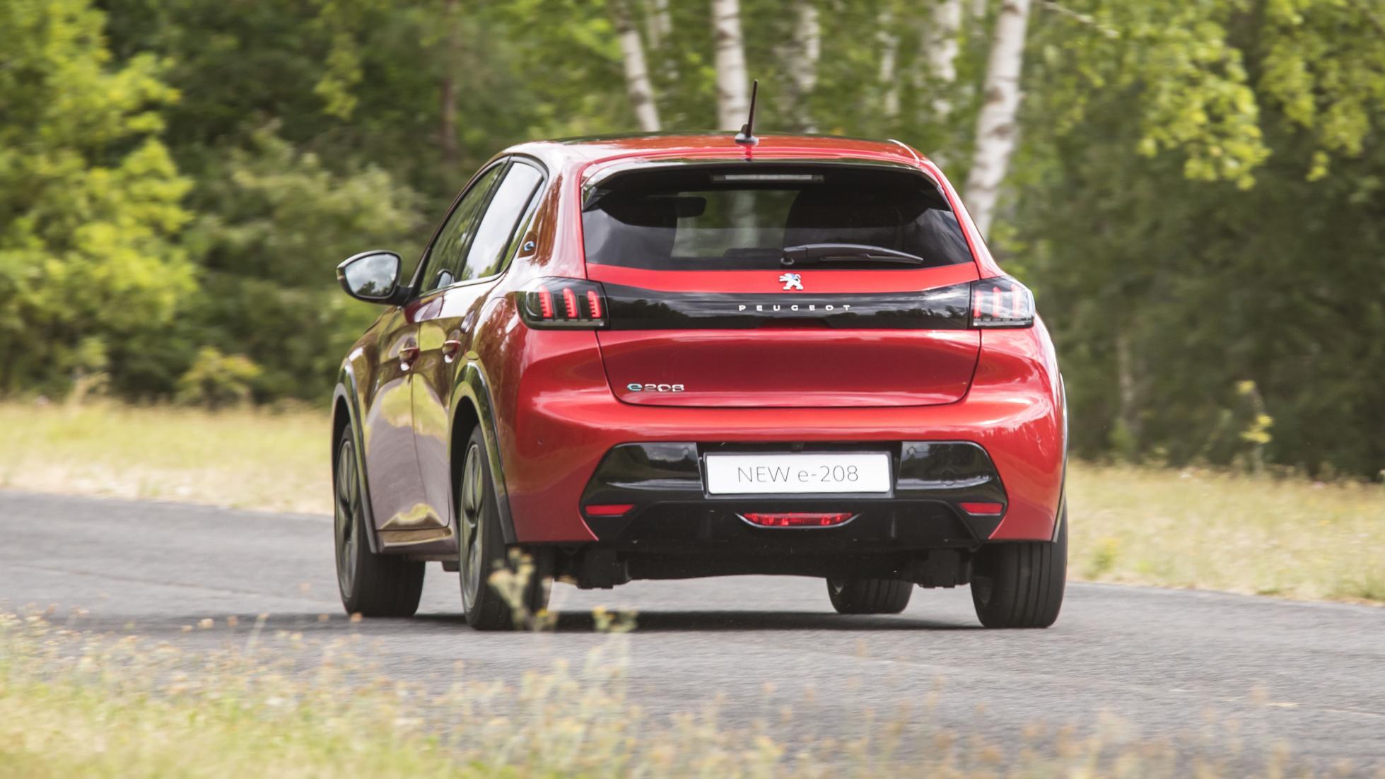 2019 - [Peugeot] 208 II (P21) - Page 20 Peugeot-e-208-2
